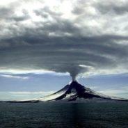 Il vulcano Okmok in Alaska e alcuni eventi storici nel Mediterraneo